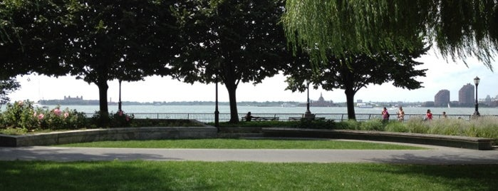 Robert F. Wagner, Jr. Park is one of The Great Outdoors NY.