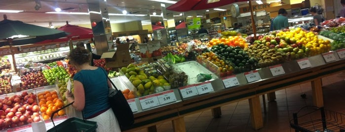 Massine's Your Independent Grocer is one of Katyaさんのお気に入りスポット.