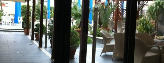 Magri's Hotel Naples is one of Hotel & BB.