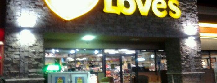 Love's Travel Stop is one of Ingrid 😜'ın Kaydettiği Mekanlar.