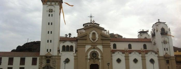 Plaza de Candelaria is one of Islas Canarias: Tenerife.