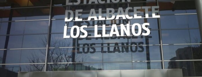 Estación de Albacete - Los Llanos is one of Tempat yang Disukai María.