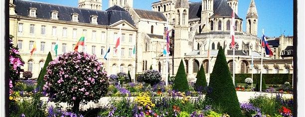 Abbaye aux Hommes – Hôtel de ville de Caen is one of Lugares favoritos de Thomas.