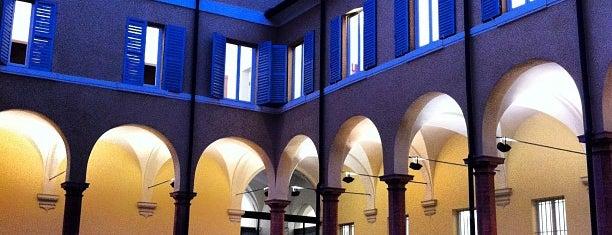 Biblioteca Comunale Delfini is one of Orte, die Mariateresa gefallen.