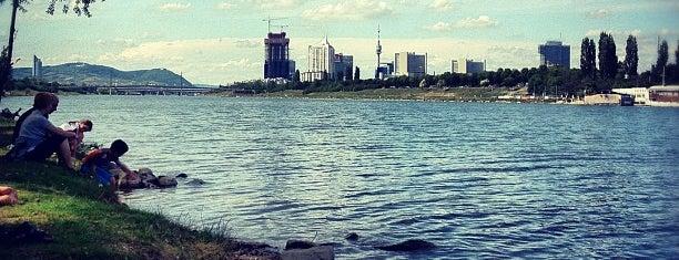Дунай is one of Austria2.
