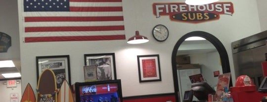 Firehouse Subs is one of Lieux qui ont plu à Jennifer.