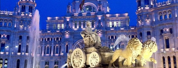 Plaza de Cibeles is one of Madriz.