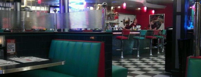 Easton Diner is one of Lieux qui ont plu à Nick.