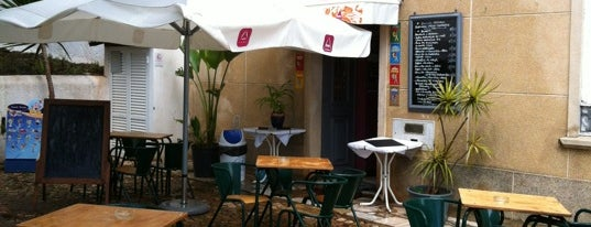 Cafe Ingles is one of Algarve.