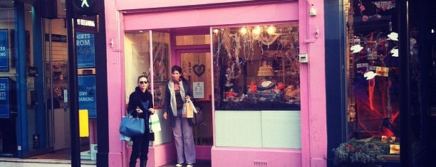 Love Bakery is one of London's Cupcakeries.