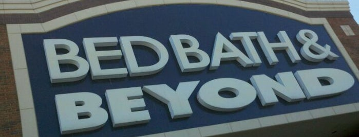 Bed Bath & Beyond is one of สถานที่ที่ David ถูกใจ.