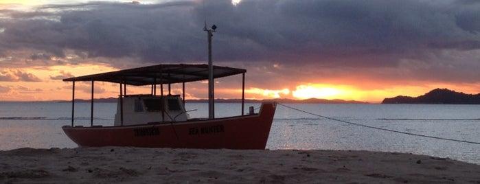 Praia Tubarão is one of Locais salvos de Vinny Brown.