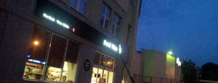 Food & Wine is one of Orte, die Artur gefallen.