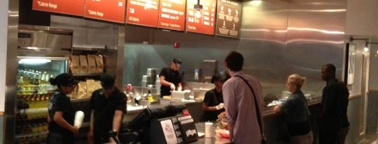 Chipotle Mexican Grill is one of Midtown Lunch.