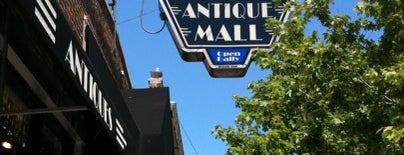 Edgewater Antique Mall is one of Vintage Shopping.