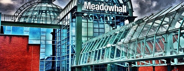 Meadowhall Shopping Centre is one of Lugares favoritos de Tone.