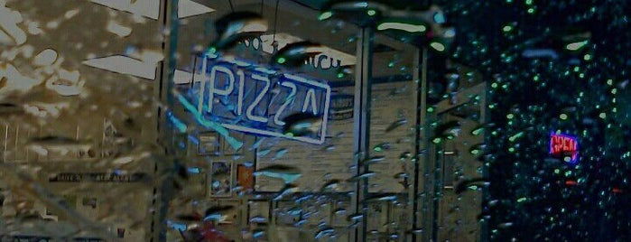 Leonardo's Pizza is one of 2011 Daysies Winners.