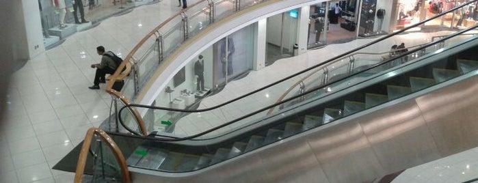 Shopping Malls With Clothing Stores - Mumbai