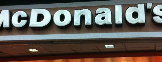 McDonald's is one of Lieux qui ont plu à Fernando.