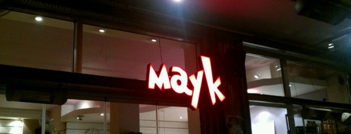 Mayk Cafe is one of abi buraya hatunla gelcen.