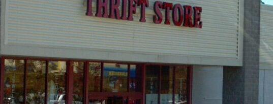 B&R Thrift Store is one of Posti salvati di Dea.