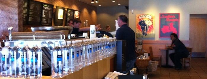 Starbucks is one of Gespeicherte Orte von Audra.