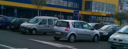 IKEA is one of Léonard 님이 좋아한 장소.