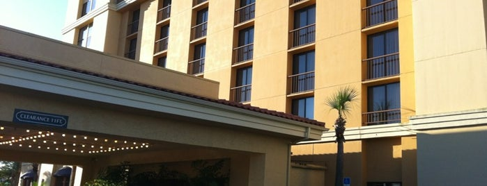 Embassy Suites by Hilton Orlando North is one of Places I've stayed.