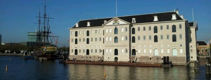 Het Scheepvaartmuseum is one of Monuments ❌❌❌.