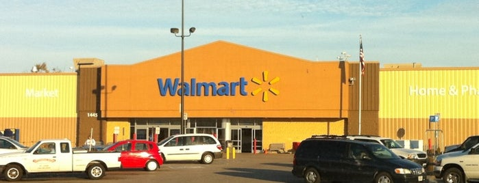 Walmart Supercenter is one of Chrissy's Liked Places.