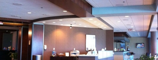 American Airlines Admirals Club is one of Lugares favoritos de Chris.