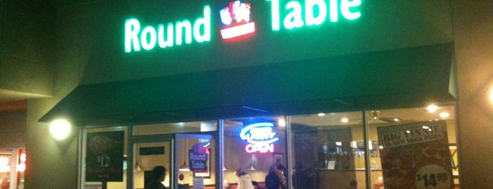 Round Table Pizza is one of DaSH's Liked Places.