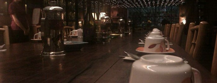 Decanter Wine House is one of Cafe @Jakarta.