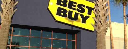 Best Buy is one of Orte, die Dawn gefallen.