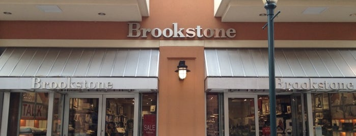 Brookstone is one of Locais salvos de Steve Dickerson.