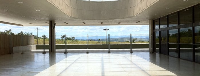 Aeroporto Internacional de Confins / Tancredo Neves (CNF) is one of Aeroportos do Brasil.