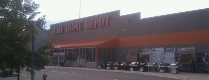 The Home Depot is one of สถานที่ที่ Saleem ถูกใจ.