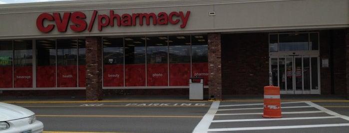 CVS pharmacy is one of สถานที่ที่ Tyler ถูกใจ.