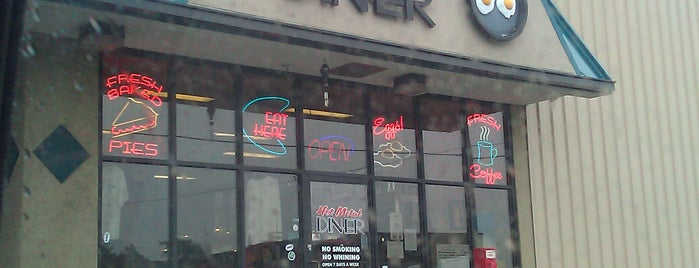 Hot Metal Diner is one of Favorite place's.