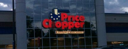 Price Chopper is one of Lindsayeさんのお気に入りスポット.