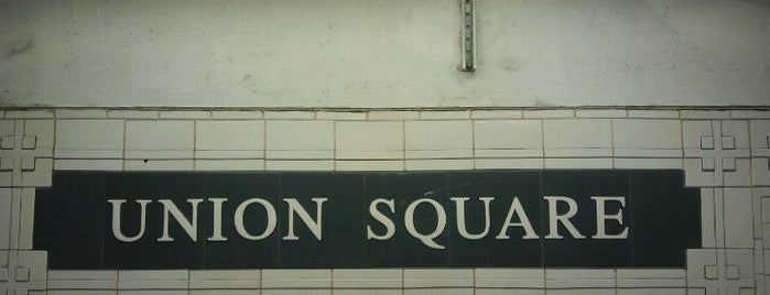 MTA Subway - 14th St/Union Square (4/5/6/L/N/Q/R/W) is one of Locais curtidos por Mei.