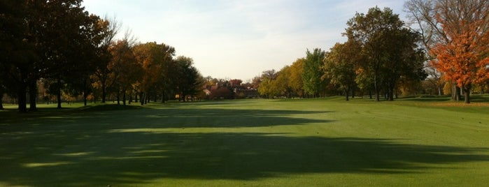 Oak Park Country Club is one of Chicago.