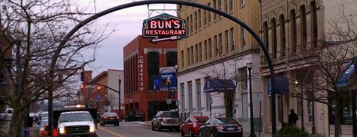 Bun's Restaurant is one of Lieux qui ont plu à John.