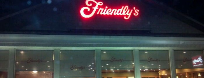 Friendly's is one of Tempat yang Disukai Cesar.