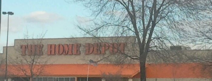 The Home Depot is one of Leah : понравившиеся места.