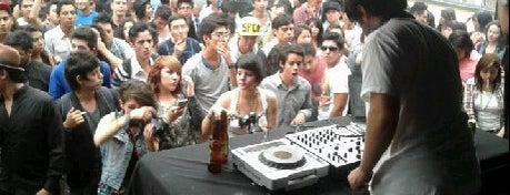 bares con musica en vivo