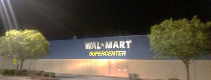 Walmart Supercenter is one of Posti che sono piaciuti a Nikki.
