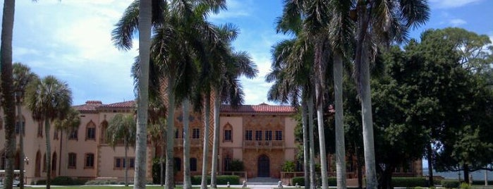 John & Mable Ringling Museum of Art is one of Donna'nın Kaydettiği Mekanlar.