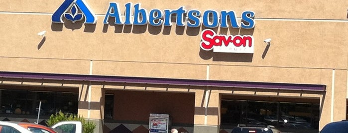 Albertsons is one of Orte, die Shamika gefallen.
