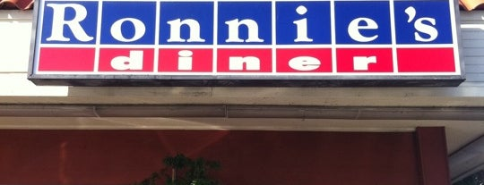 Ronnie's Diner is one of Locais curtidos por Nick.